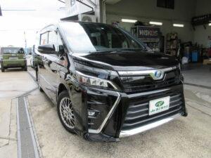 トヨタ ヴォクシー ハイブリッドZS 平成29年11月 走行距離75、950キロ 車両金額 228万円